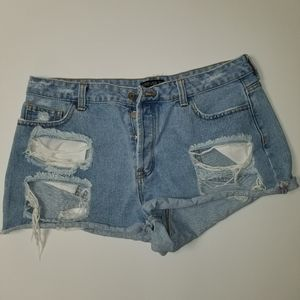 Forever 21 distressed Jean shorts size 14